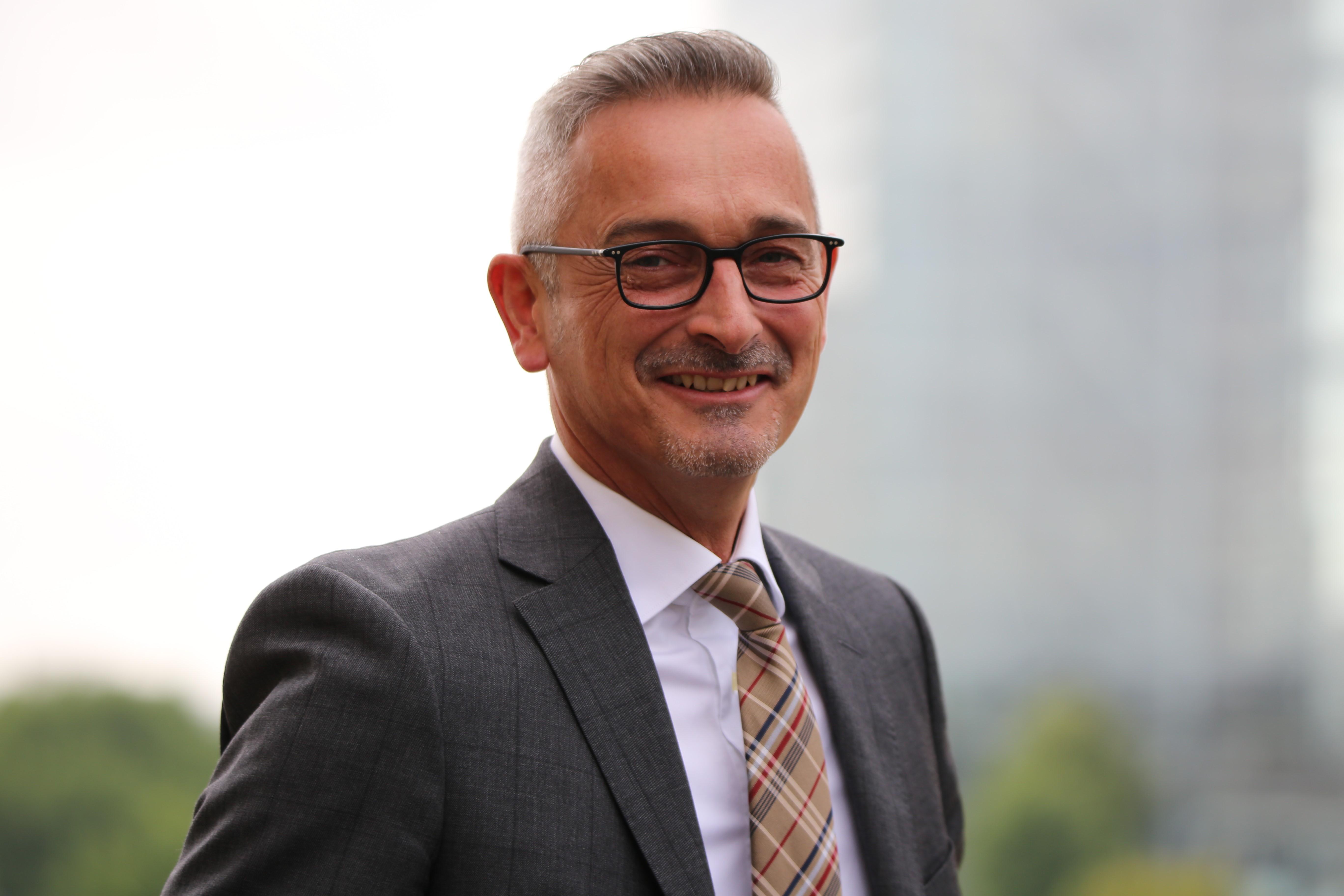 Dr. Werner Pfeil